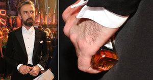 Roman Zach ve StarDance s lahví kořalky? Pijí tu všichni, tvrdí Ridi