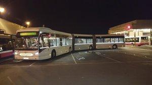 Do Prahy dorazil megabus. 25metrový obr bude jezdit na letiště