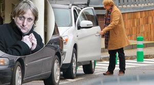 Tydýt Lukáš Pavlásek opět v akci: Parkování na zákazu absolutně neřešil