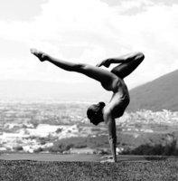 Nahá jóga: Podívejte se na dechberoucí fotografie!