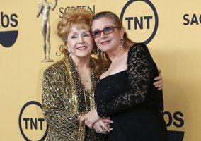 Herečka Debbie Reynolds zemřela den po dceři, při zařizování pohřbu: Chci být s Carrie