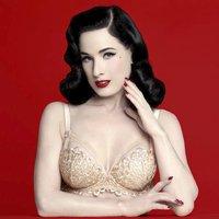 Dita Von Teese: Kráska, která chtěla být od pěti let striptérkou