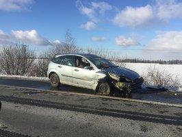 Při střetu dvou aut u Krčmaně na Olomoucku se zranili čtyři lidé