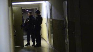 Dealer drog vytáhl pistoli na své zákazníky. Vše musela vyřešit až zásahová jednotka