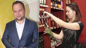 Boj proti pančovanému vínu: Vinotékám radí na Jurečkově webu i komiksy