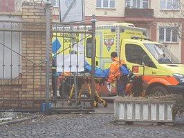 V Holešovické tržnici vybuchla laboratoř: Exploze těžce zranila ženu