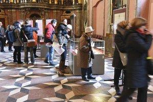 Marie Terezie láká. Výstavu v Klementinu navštívilo první den přes 700 lidí