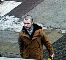 Zloděj ukradl cestujícímu ve vlaku notebook, policisté hledají důležitého svědka