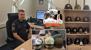 """Šéf pražských hasičů Hlinovský (49): V kanceláři má """"muzeum helem"""""""