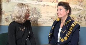 Ombudsmanka Prahy 5 vzpomíná na své rodiče pěvce Eduarda Hakena a herečku Marii Glázrovou