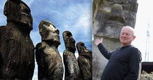 Čech naučil chodit obří sochy na Velikonočním ostrově: Kdyby mu upadla, zastřelili by ho!