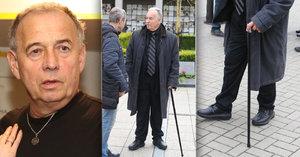Ivan Vyskočil: Cestou na pohřeb Havelkové boural, na Ornestův přišel o holi. Musí na operaci