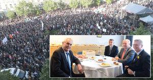 Zeman navrhl koalici dvě řešení krize, Babiš podle Sněmovny lhal a davy bouřily