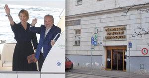 Karel Gott před svou výstavou a po ní: Znovu na kapačkách!