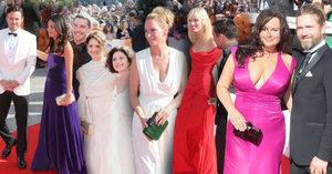 ONLINE z Karlových Varů: Kill Bill na červeném koberci: Uma Thurman? Ne, dekolt Jitky Čvančarové