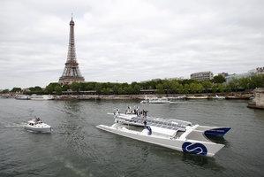 Cesta kolem světa bez natankování. Z Paříže vyplula loď budoucnosti
