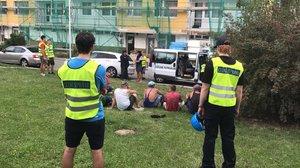 Zátah celníků na stavbě na Chodově: Zadrželi 14 dělníků