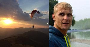 Paraglidista Tomáš (†40) zemřel při závodech: Šokující výsledky pitvy