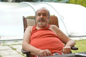 Špatná zpráva z nemocnice: Bavič Novotný (70) potřebuje operaci, ale tělo zákrok nezvládne!