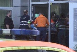 Hádka skončila tragédií: V Hostivaři jeden cizinec pobodal druhého