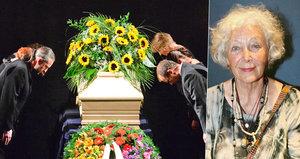 Dcera Květy Fialové (†88) prozradila, proč dala mámě bílou rakev!