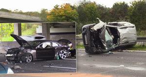 Vážná nehoda na dálnici D11: Zasahoval vrtulník, sedm zraněných