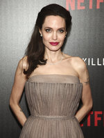 Angelina Jolie po krachu vztahu s Bradem Pittem: Má nového chlapa!