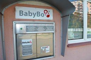 Nejsmutnější novoroční miminko: Chlapce našli v župánku po starším dítěti v babyboxu v Ústí nad Orlicí