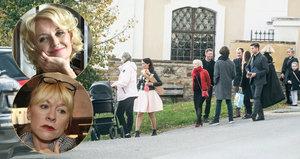 Babičky Žilková a Batulková po porodu Agáty: Smíření na křtu vnučky!