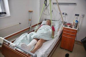 Smutné FOTO: Hvězda Ulice Obermaierová v nemocnici! Zraněnou ji našel syn