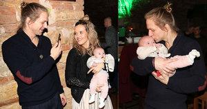 Ta je krásná! Trojnásobný otec Tomáš Klus se chlubil nejmladší dcerou