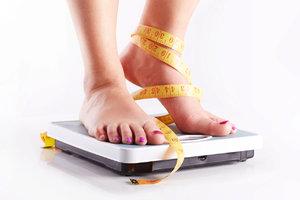 Nemůžete zhubnout? Nejčastější příčinou bývá zavodnění
