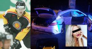 Krásná Jana zemřela na sedadle spolujezdce: Auto smrti řídil hokejista!