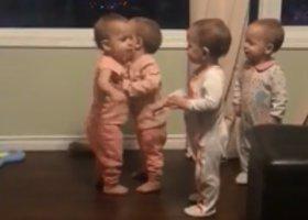 Roztomilá čtyřčata! Rodiče byli v šoku, když lékař řekl, kolik dětí čekají