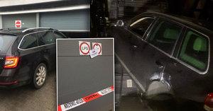 Takhle se parkuje v Brně: Auto i s posádkou spadlo do šachty! To hasiči ještě nezažili