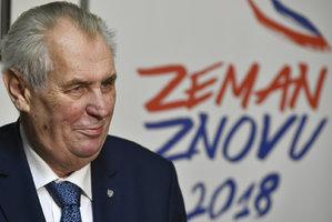 """Zeman """"kašle"""" na reprezentaci, ale lidem rozumí, tvrdí nový průzkum"""