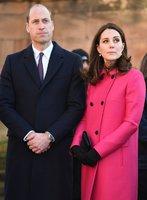 Pohlaví třetího potomka Kate a Williama prozradilo podle Britů oblečení vévodkyně