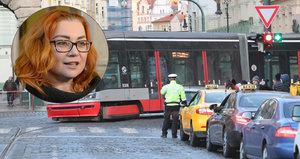 """Taxikáři po jednání s vládou: """"Uznala, že máme pravdu."""" Babiš vyzval přepravce, aby dodržovali zákon"""