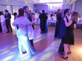 Oprašte šaty a obleky: Ve Štěrboholech zahájí plesovou sezonu Sousedským plesem