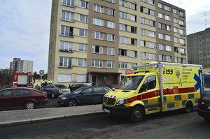 Výbuch v šachtě v Michli: Na místě zasahovali hasiči, budovu zkontroloval statik