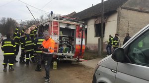 Při požáru na Znojemsku zemřely tři malé děti! Vyhořel pokojíček, hasiči se k  nim nemohli dostat