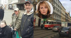 """""""Zpovykaní Pražané""""? Kolaps dopravy v Praze pokračuje, lidé nakládají Krnáčové za její výrok"""