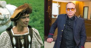 Pamatujete prince Velena z pohádky Princ a Večernice? Dnes byste ho nepoznali!