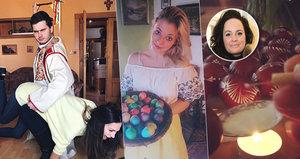 Velikonoce podle celebrit: Gott s kůzletem, Bučková dostala na zadek a Čvančarová s mobilem ve výstřihu!