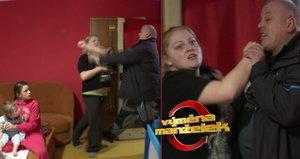 Drsná bitka ve Výměně manželek: Otec šesti dětí napadl náhradní manželku!