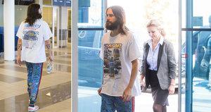 Hollywoodský fešák Jared Leto po zpackaném koncertu v tichosti opustil Česko