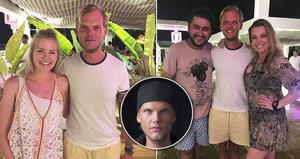 Poslední fotky DJ Aviciiho (†28) před záhadnou smrtí: Pohublý a unavený Avicii se smutně usmívá po boku fanoušků