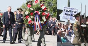"""""""Zeman je Husák."""" Při pietě na Vítkově přišel i protest, Šlechtová velebila """"miláčky"""""""