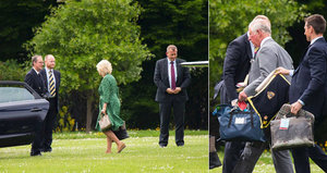 Královská svatba se blíží! Princ Charles s vévodkyní Camillou se z Řecka vrátili vrtulníkem