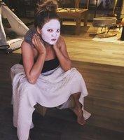 Je šílená? Modelka Chrissy Teigen si po porodu čistí vaginu horkou párou